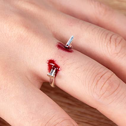 Party Halloween Prank Joke Scary Blood Nail Finger Through Trick Favors Gift