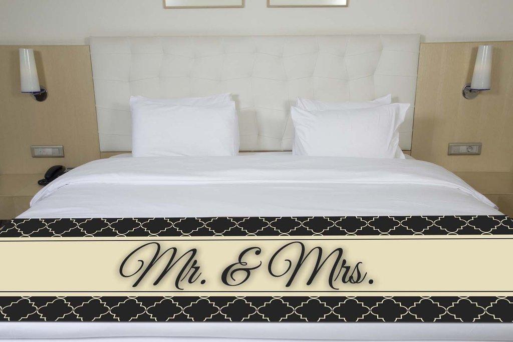 ''Mr. & Mrs'' Black Quatrefoil Bed Runner Scarf Twin/Full/Queen/King Size