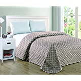 HollyHOME Printed Bed Quilt for Twin Size Bed, Quatrefoil Grey