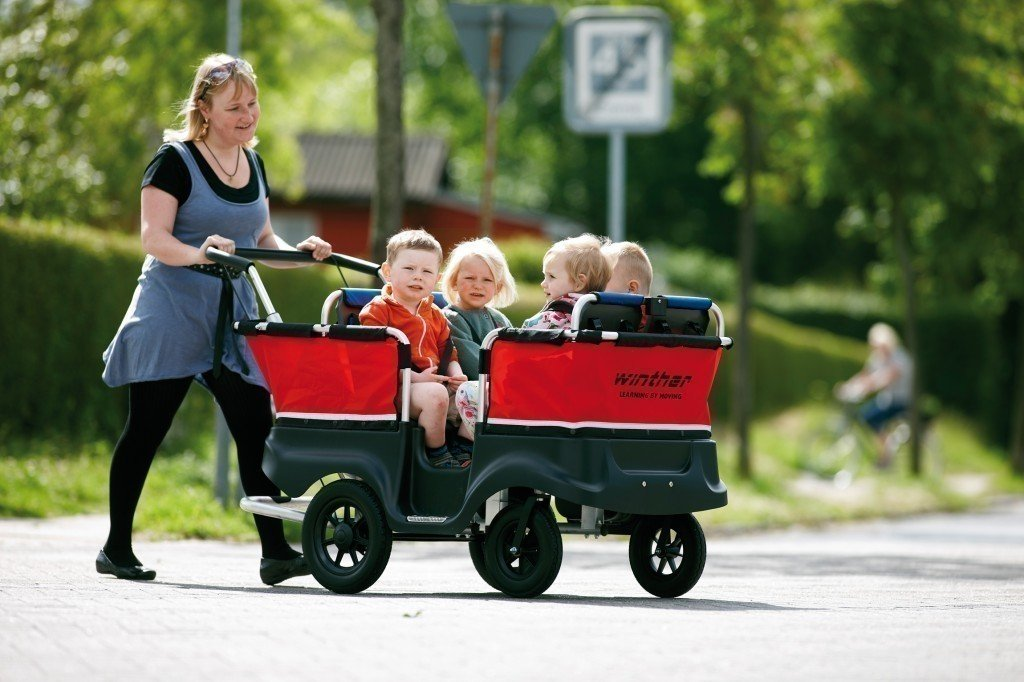 Turtle Kinderbus für 4 Kinder (Belastbarkeit: bis 80 kg Gesamtgewicht) von Winther