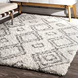 nuLOOM Soft and Plush Iola Moroccan Shag Rug, 6' 7' x 9', White