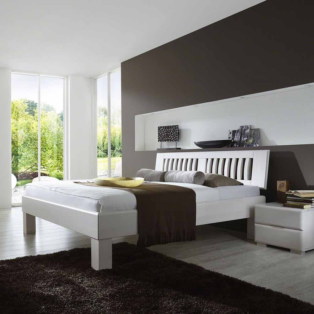 massivholzbett in wei lackiert buche breite 146 cm tiefe 212 cm liegefl che 140x200 pharao24. Black Bedroom Furniture Sets. Home Design Ideas