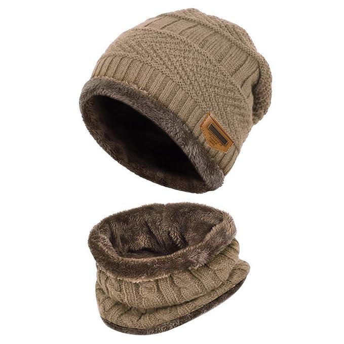 Cappello a Maglia e Set di Sciarpe f70574b63fe2