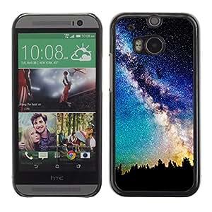 QCASE / HTC One M8 / vía láctea vista galaxia cielo nocturno estrellas árboles / Delgado Negro Plástico caso cubierta Shell Armor Funda Case Cover