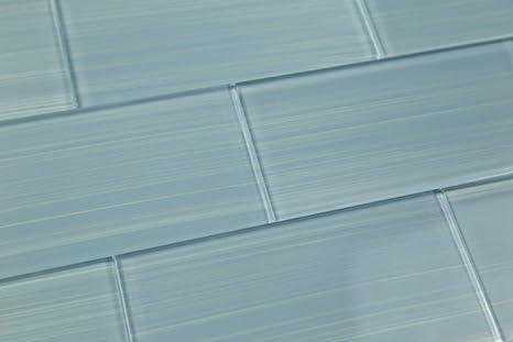 Haven azzurro piastrelle di vetro dipinto a mano. perfetto per