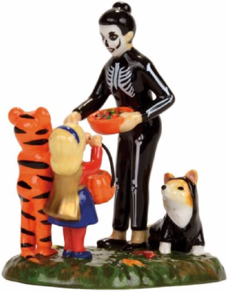Department 56 Snow Village Halloween Trick or Treating on the Lane Accessory Figurine