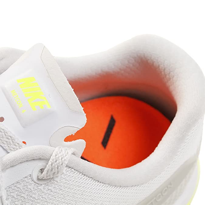 san francisco 4f68d 40d97 Amazon.com   Nike Metcon 4 (8.5, White Black Light Bone Gum Medium Brown)    Fitness   Cross-Training