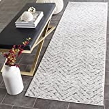 Safavieh Adirondack Collection ADR104N Ivory and Charcoal Modern Distressed Chevron Runner (2'6' x 8')