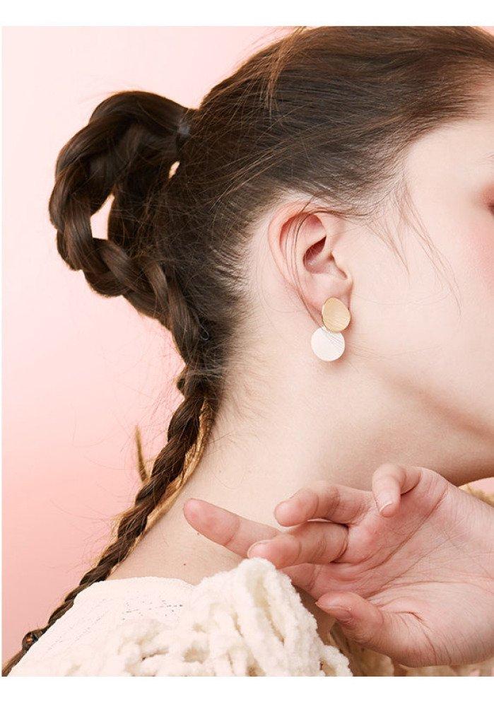 DHG Simple atmosphere Korean temperament earrings, female short hair earrings, cold wind personality Hong Kong wind ear ornaments, small earrings