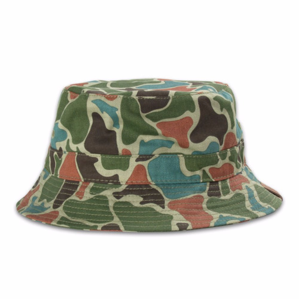 0ced8fa57528b Pink Dolphin Frog Camo Green Bucket Hat (S M) at Amazon Men s Clothing  store