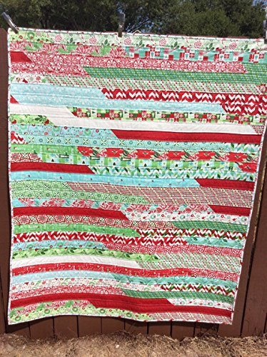 Lap Size Quilt Christmas Blanket Throw With Green Red White Holiday Xmas Handmade Homemade Quilt