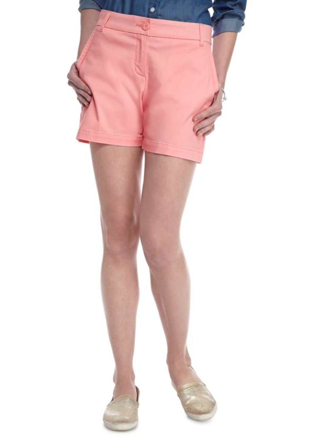 Crown & Ivy Women's Petite Solid 5-In. Short (Coral Aura, 0P)