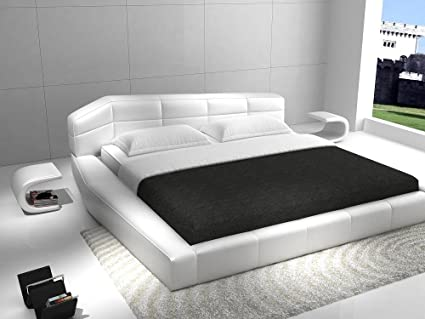 Amazon.com: J&M Furniture Dream White Leather Bedroom Set - Queen ...
