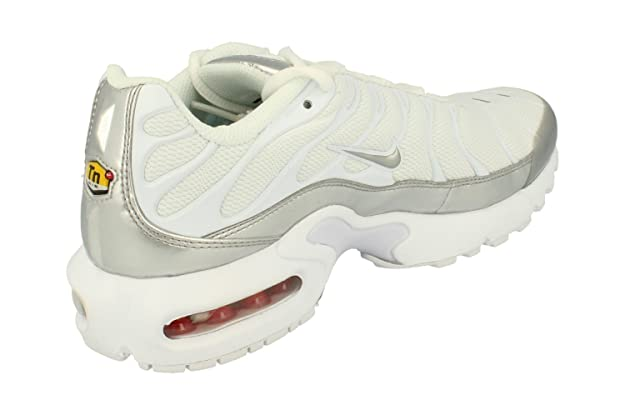 reputable site 50729 dbf05 Amazon.com   Nike Air Max Plus TN (GS) Youth Sneaker   Sneakers