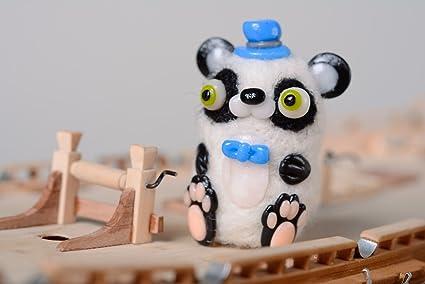 Juguete de peluche artesanal de bolsillo en tecnica de fieltro Panda
