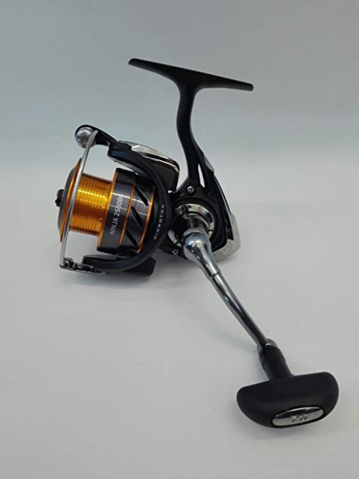 Daiwa Ninja BG a 2500 Black Edition carrete: Amazon.es ...