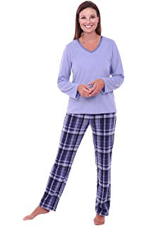 f4bc9fe3e2bc Amazon.com  PajamaMania Women s Sleepwear Fleece Long Sleeve Pajamas ...