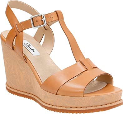 bf3987d94a56 Clarks Women s Adesha River Tan Leather Sandal  Amazon.co.uk  Shoes   Bags