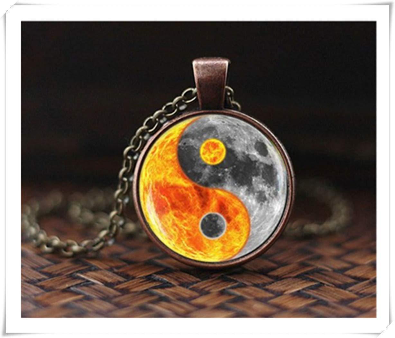 hong ben xie chang Yin Yang Sun Moon Necklace, Sun Planet Necklace, Sun and Moon Art Pendant, Space Necklace, Planet Sun Pendant.