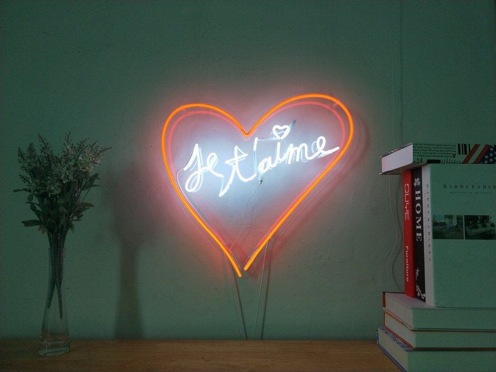 Je T'aime Real Glass Neon Sign Beer Bar For Bedroom Garage Man Cave Room Home Decor Handmade Artwork Visual Art Dimmable Wall Lighting Includes Dimmer