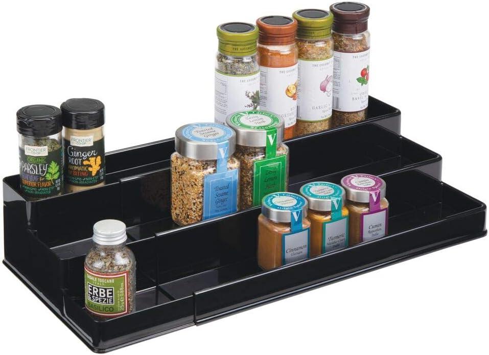 mDesign Especiero para armario de cocina o encimera – Estante extensible para almacenar condimentos y ordenar la cocina – Organizador de especias en plástico con tres niveles – negro