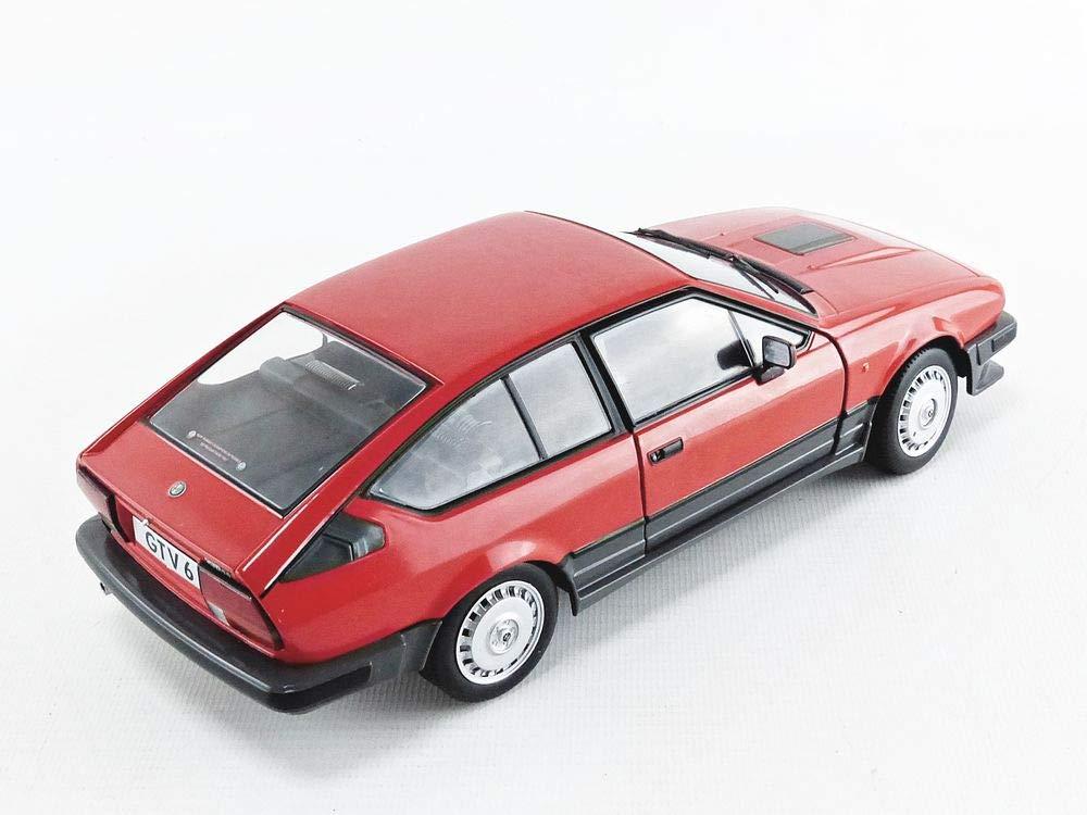 Matra Murena Miniatur Modellautos in der Uhr 02
