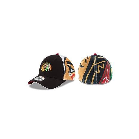 9852acc8126 Amazon.com   New Era Chicago Blackhawks Logo Wrapped Flex Fit Hat ...