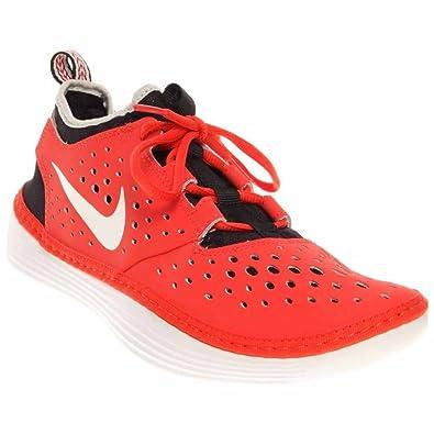 check out 915ea c9819 Amazon.com   Nike Men s Solarsoft Moccasin Costa Low Light Crimson - White  - Black, 9   Loafers   Slip-Ons
