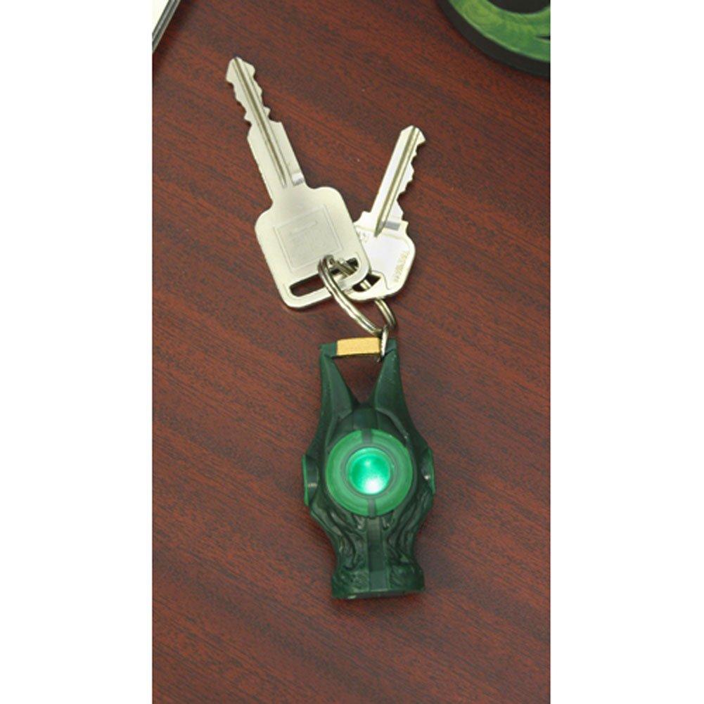 Amazon.com: NECA Green Lantern Movie Llavero Light Up ...