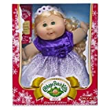 Cabbage Patch Kids - EXCLUSIVE - Limited Edition Holiday 2014 - Haarfarbe blond & Kleid in lila/weiss