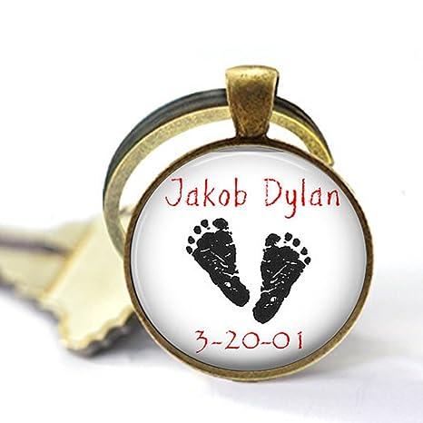 Pies de bebé personalizados con nombre y fecha - Llavero o ...