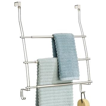 mDesign Toallero colgante para puerta o armario - Colocación sencilla, sin taladrar - Portatoallas para