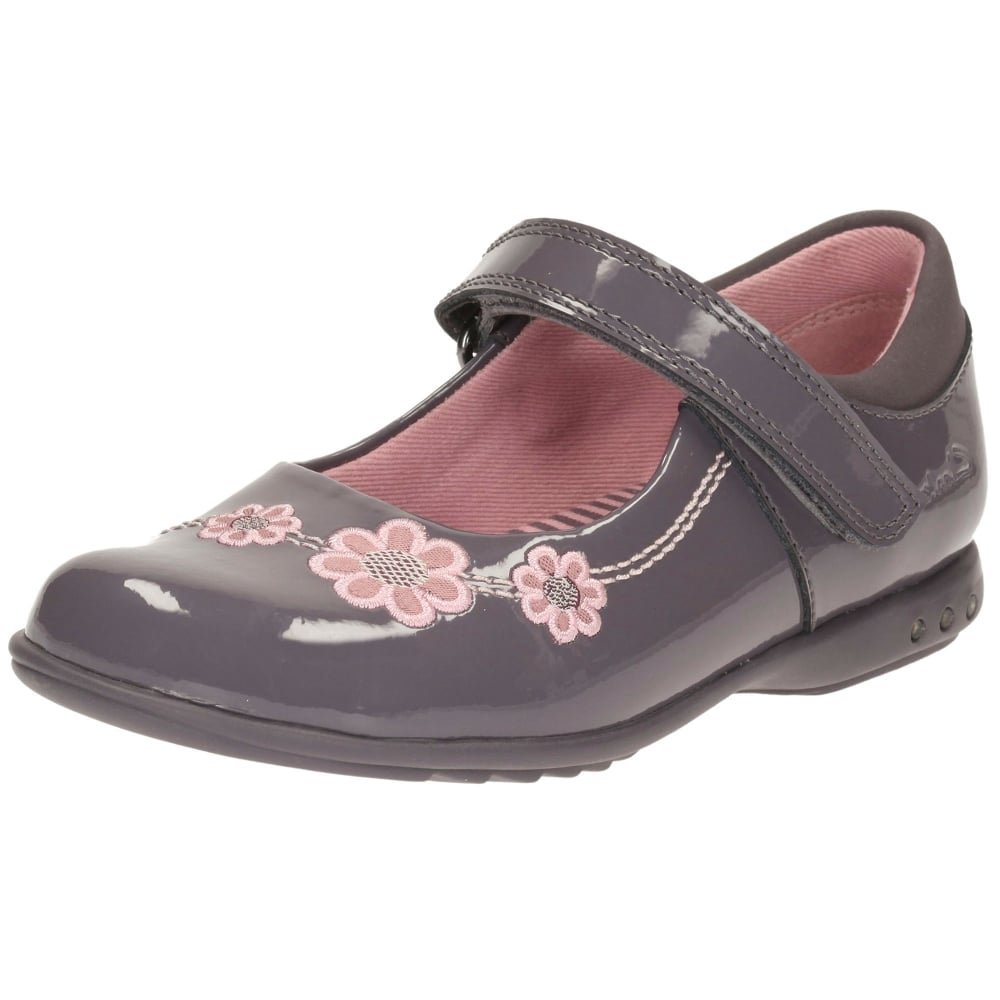 a6e1641ad05 Clarks Girls Out-Of-School Trixiwhizz Pre Coated Leather Shoes In Anthracite  Standard Fit Size 7: Amazon.co.uk: Shoes & Bags