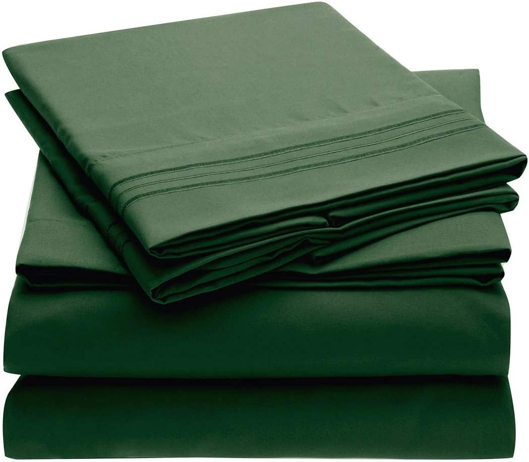 Mellanni Bed Sheet Set - Brushed Microfiber 1800 Bedding - Wrinkle, Fade, Stain Resistant - 4 Piece (King, Emerald Green)