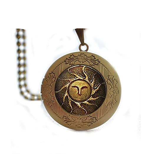 Amazon dark souls solaire of astora sun locket necklace dark dark souls solaire of astora sun locket necklace dark souls of astora sun locket necklace aloadofball Choice Image
