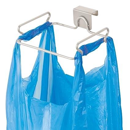 mDesign Soporte para bolsa de basura – Práctico colgador de puerta para bolsas de residuos – Cuelgabolsas fácil de colocar sobre la puerta – Porta ...