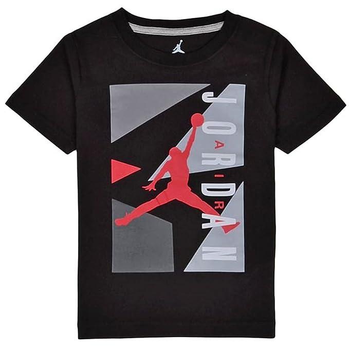 c39049bed9243f Amazon.com  Boys Youth Jordan AJ Block T-Shirt  Sports   Outdoors