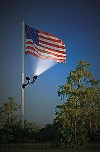 solar-powered-flagpole-lighting