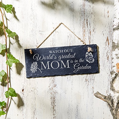 Hanging Slate Sign - World´s greatest Mom is in the Garden - Butterfly Garden Outdoor House Home Decor - Welcome Door Wall Plaque- Backyard Decoration - Sweet Mothers Day Gift - Mom Birthday Gifts - Black Slate Welcome Sign