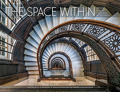 For the first time, the interiors of some of the Chicago area s greatest buildings, designed by celebrated architects, are brought together and featured in truly stunning original photographs. These Chicago-area homes, religious spaces, and commercia...