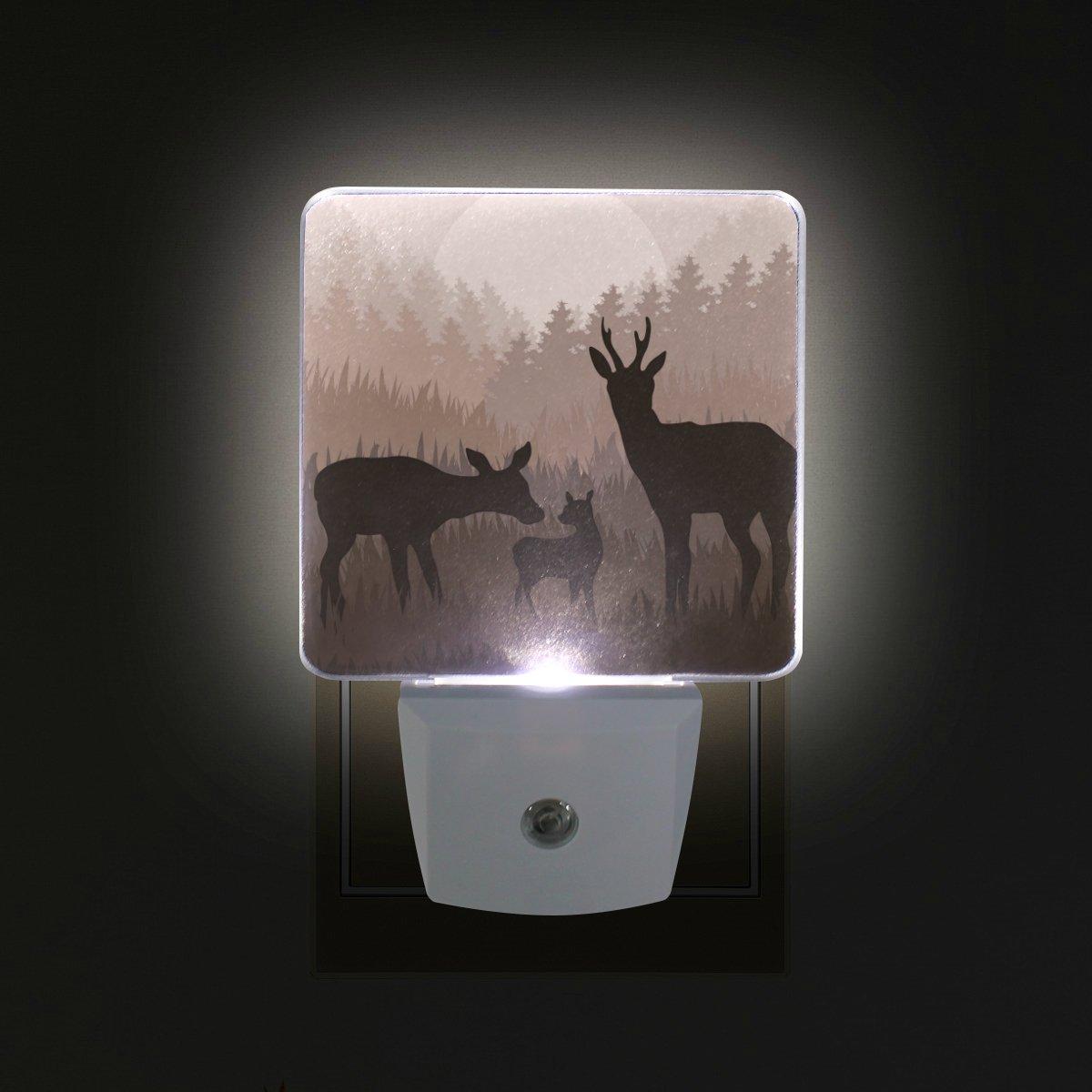 giovanior Deer Family in Wild Night Forestパターンプラグin Dusk to DawnライトセンサーLEDナイトライトウォールライトの寝室、バスルーム、廊下、階段、エネルギー効率的な B079P1F1LL 15675