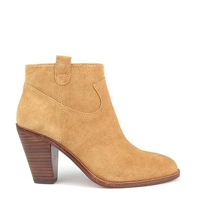 b704a3b2d788 Je veux trouver des boots femmes qui tiennent chaud et stylé pas cher ICI  Boots femme daim camel ...