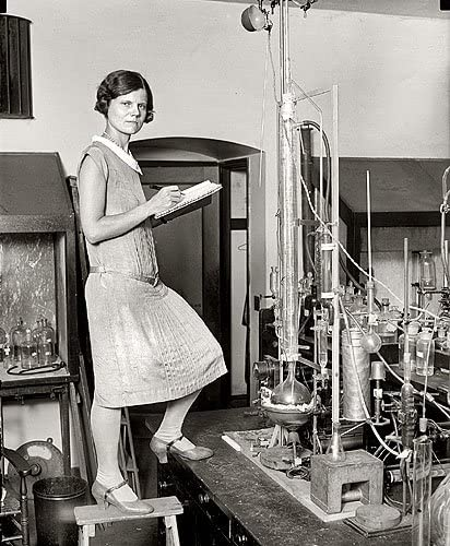 FEMALE SCIENTIST 1920s 11x14 PHOTO