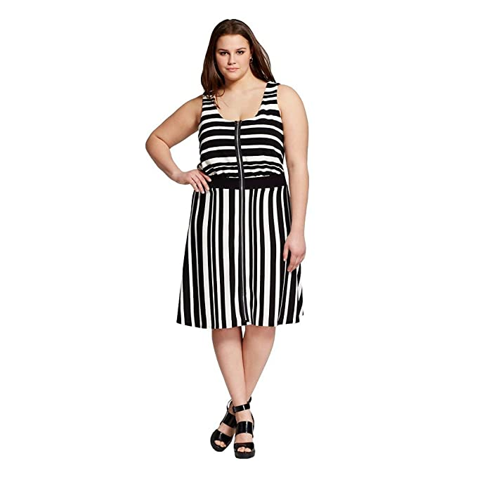Vanity Room Women\'s Plus Size Striped Zip Front Dress (Black/White)