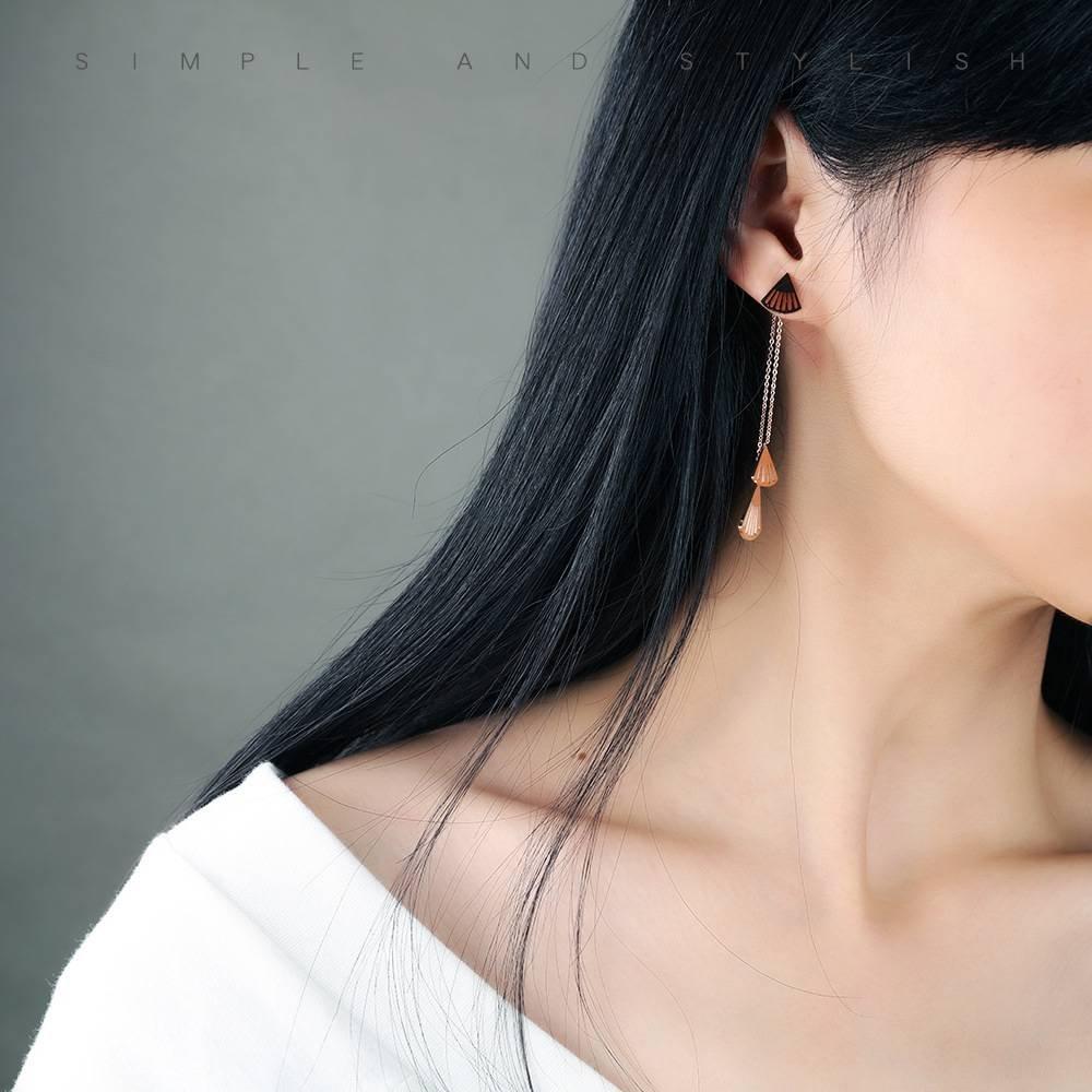 Ohrring Ohrringe Hypoallergenic Art und Weiseohrringe Titanstahl Überzog Rosafarbenes Goldgold Fächerförmige Hohle Lange Troddeln Hängende Ohrringohrringschmucksachen Perlenweben & Schmuckherstellung