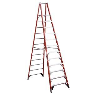 Werner (P7412) Platform Ladder, Fiberglass