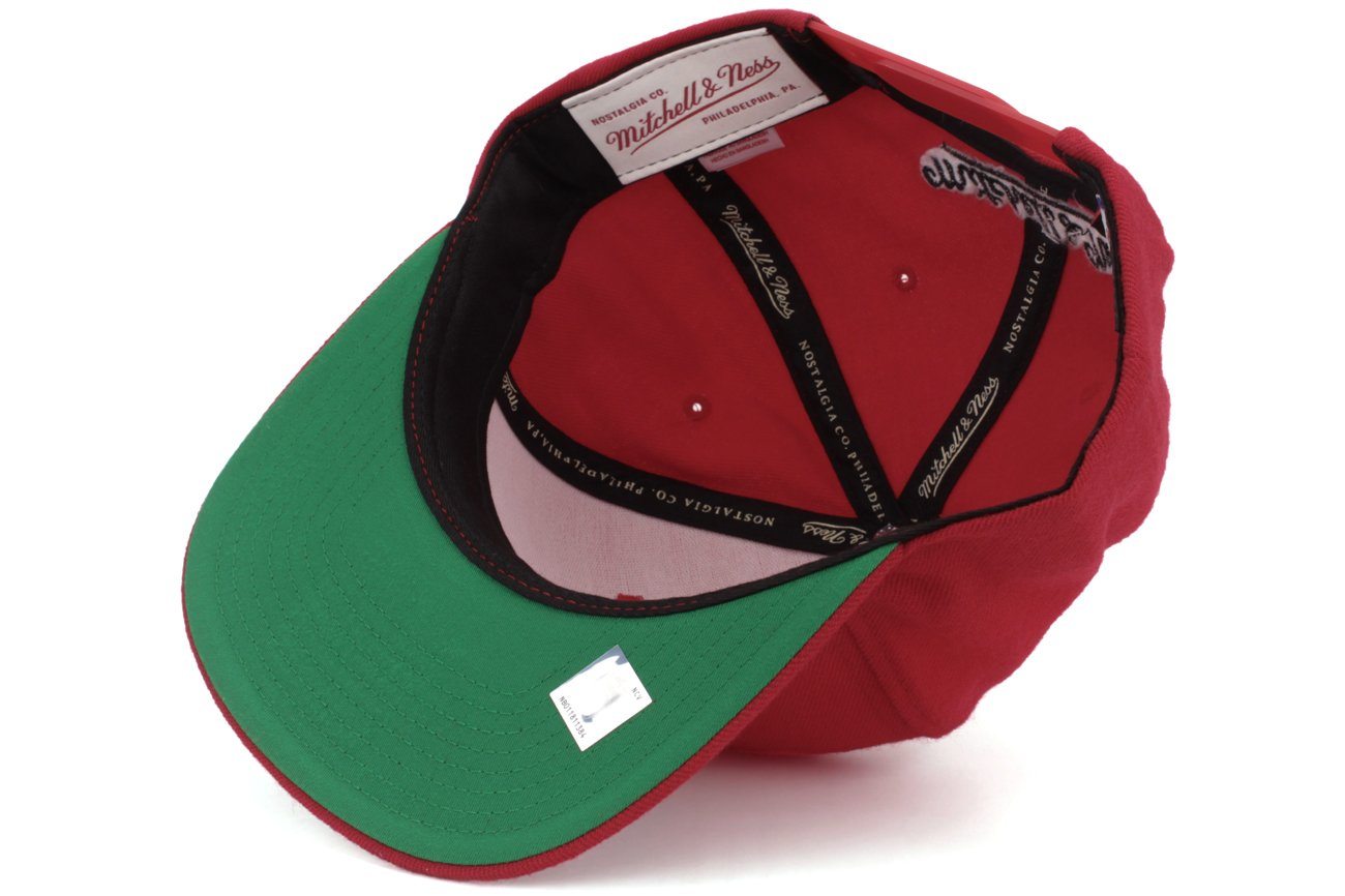 796be5269f8 Amazon.com   Mitchell and Ness Toronto Raptors NBA Adjustable Fit Wool Solid  Snapback Cap   Sports   Outdoors