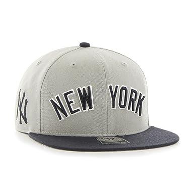 Gorra plana gris snapback con logo lateral de MLB New York Yankees ...