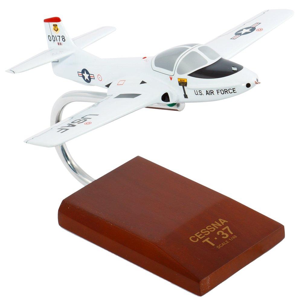 Daron Worldwide Trading B0348 T-37A Tweetie Vogel 1/48 Ma-stab AIRCRAFT