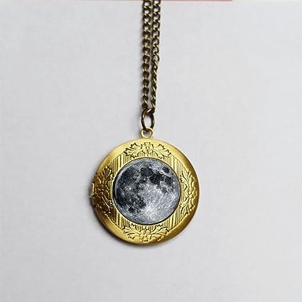 en venta cb569 e49f0 Luna Llena collar con camafeo collar con colgante de luna ...